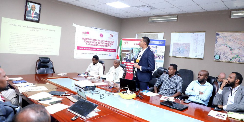 IPRT Organizes a Seminar Promoting Rooftop Rain Water Harvesting in Hargeisa